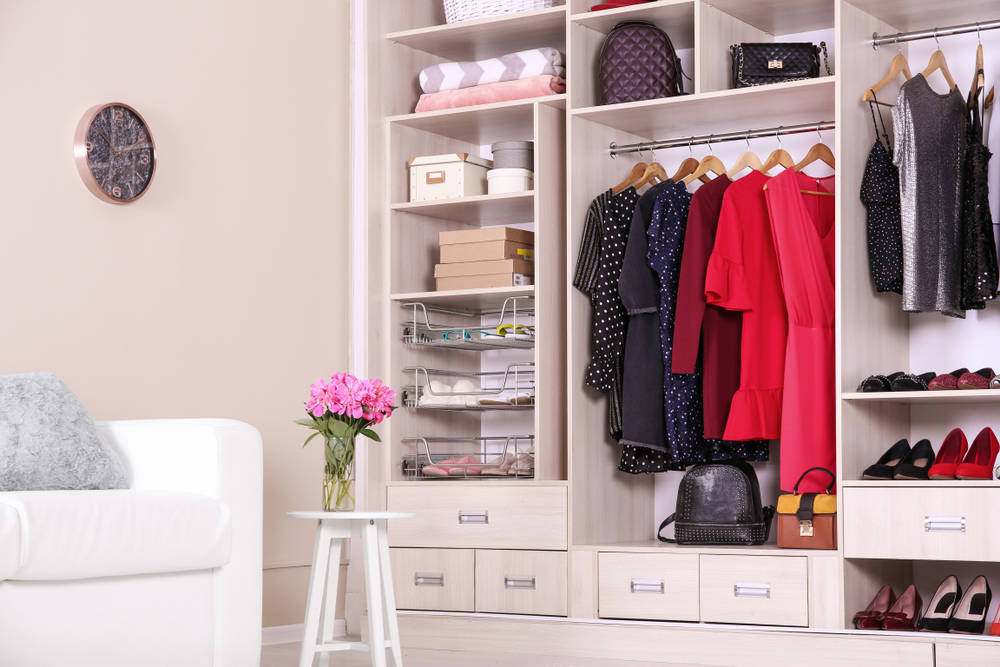 Aprender a ordenar el armario con apps móviles